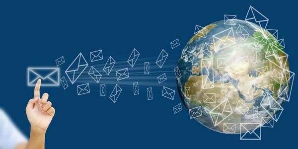 email-marketing-blogs.jpg
